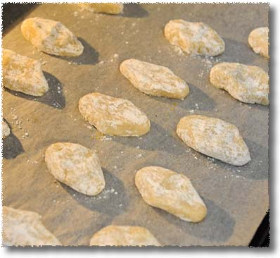 Making Ricciarelli: Into The Oven