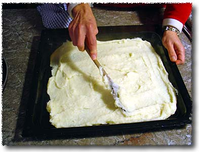Gnocchi alla Romana: Spread the Mixture