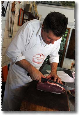 Dario, Slicing a Braciola