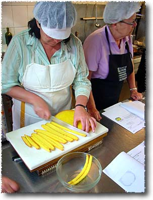 Making Zuccotto: Slicing The Torta Genovese