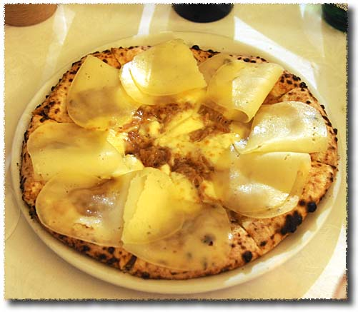 Giovanni Santarpia's Certaldo Onion and Pecorino di Fossa Pizza